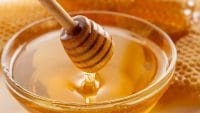 درمان شقاق مقعدی با عسل و روغن زیتون